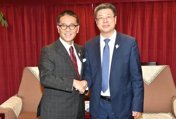 彭有冬在京会见日本环境副大臣伊藤忠彦