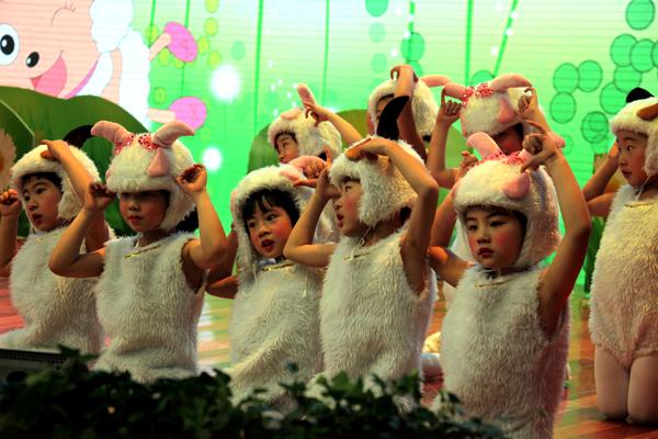 2012年国家林业局春节团拜会(服务局幼儿园)